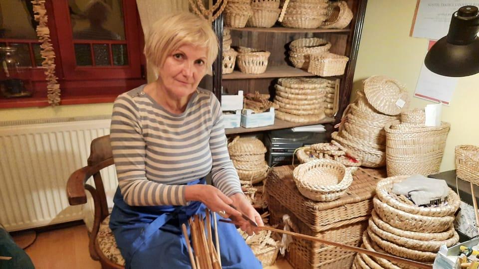 Iveta Dandová teje productos de espadaña,  foto: Ivana Bernáthová
