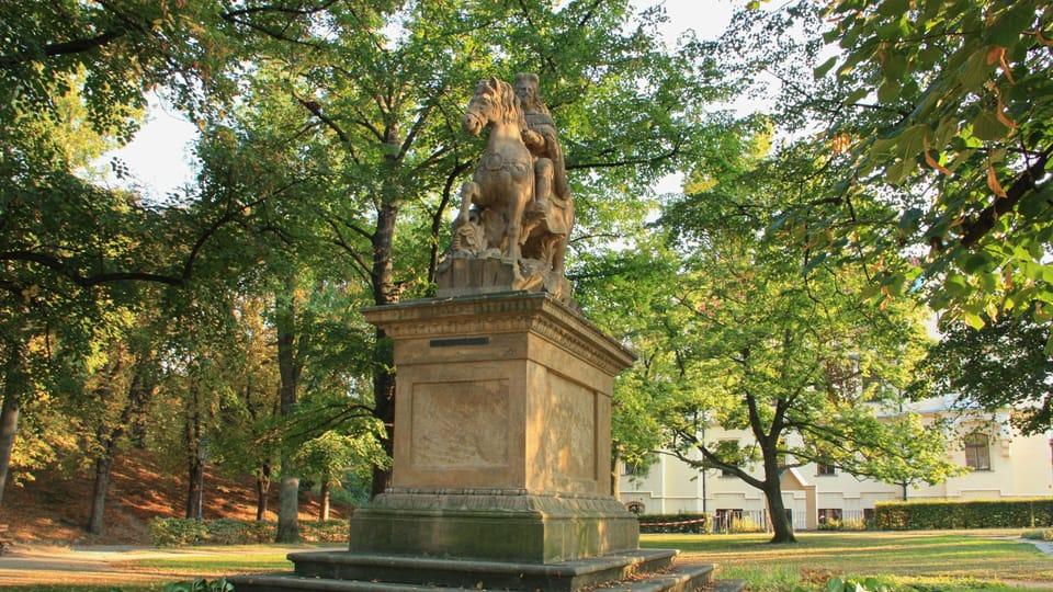 La estatua es copia de un monumento original de san Venceslao que estuvo hasta el año 1879 en la plaza Venceslao,  foto: Barbora Němcová