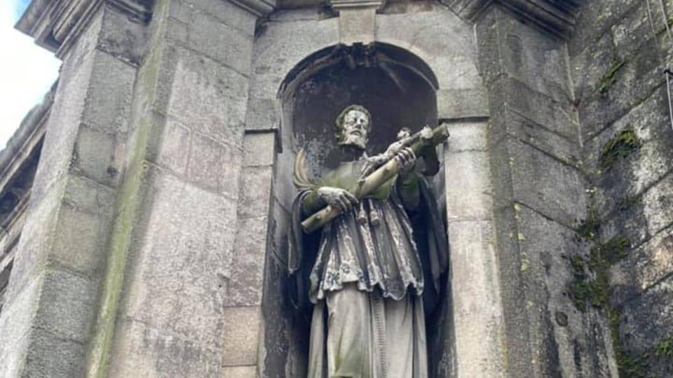 Saõ Joaõ Nepomucenu protege la ciudad de Porto de Catedral mirando al rio Douro.   Foto: archivo personal de Pavel Novák