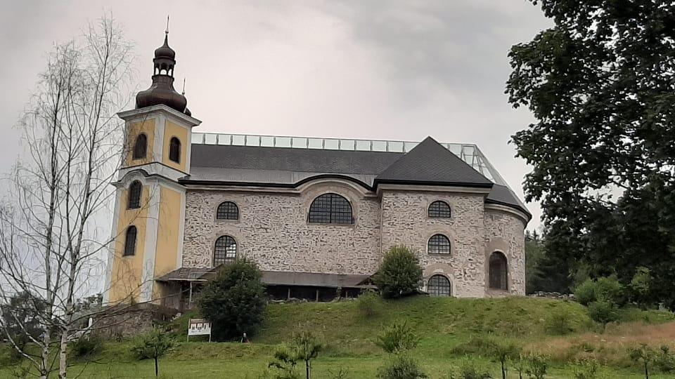 Iglesia de Neratov,  foto: Lenka Žižková