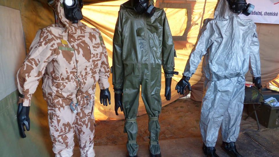 Trajes de seguridad y protección química,  foto: Klára Stejskalová