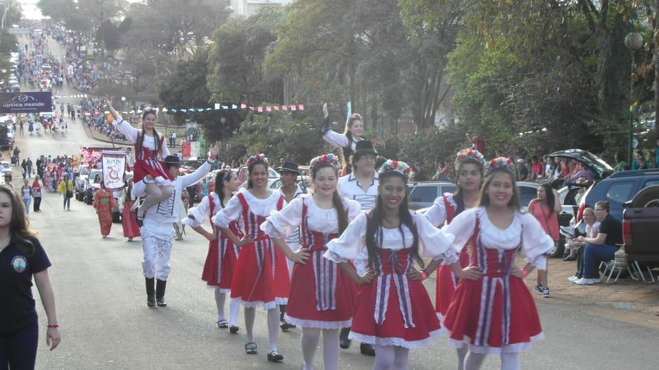 Desfile de la colectividad checa,  foto: Lenka Rašková