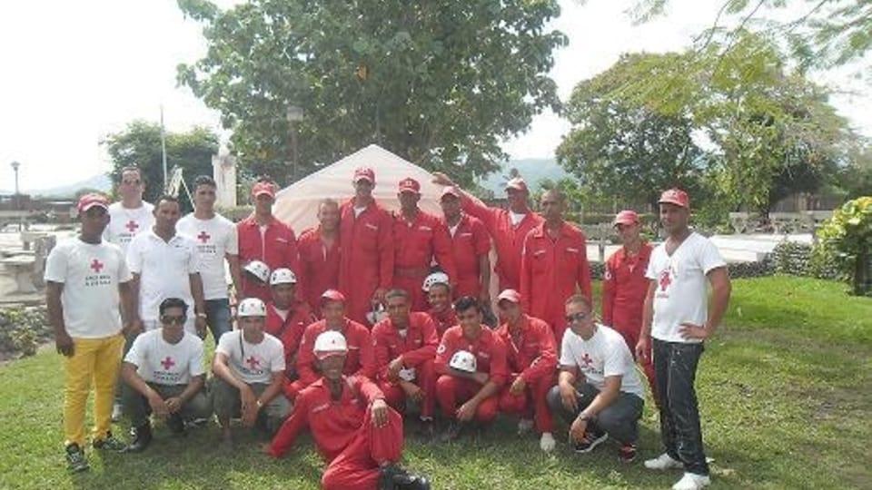 El equipo de bomberos,  foto: Jorge Verdecia Roberto Ramírez