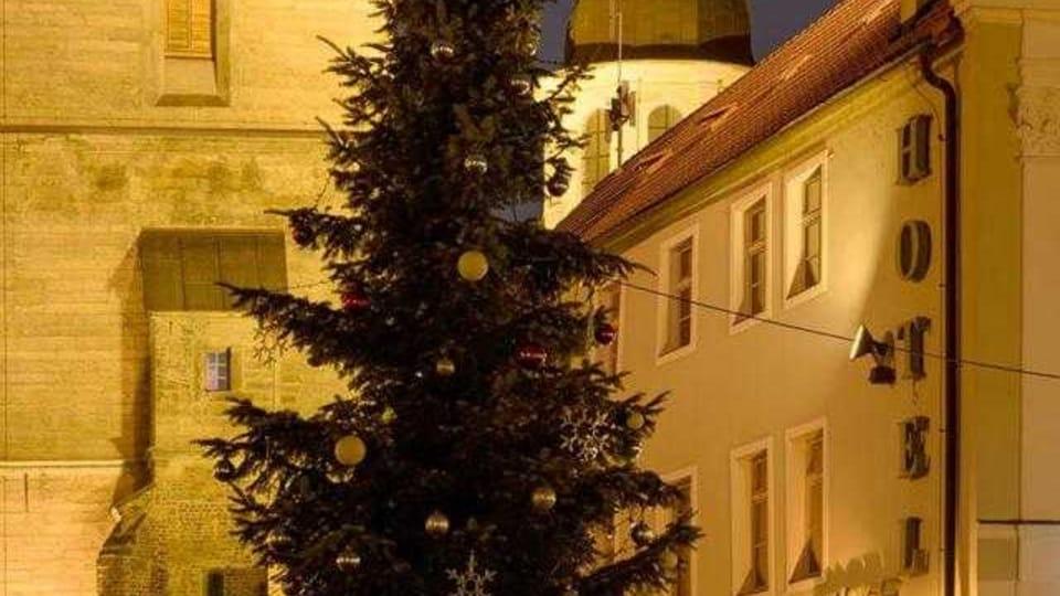 El árbol de Navidad en Hradec Králové,  foto: Milan Baják