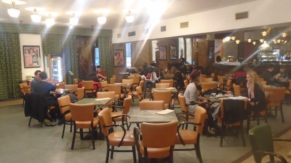 Cafetería del cine Lucerna,  foto: Ana Briceño