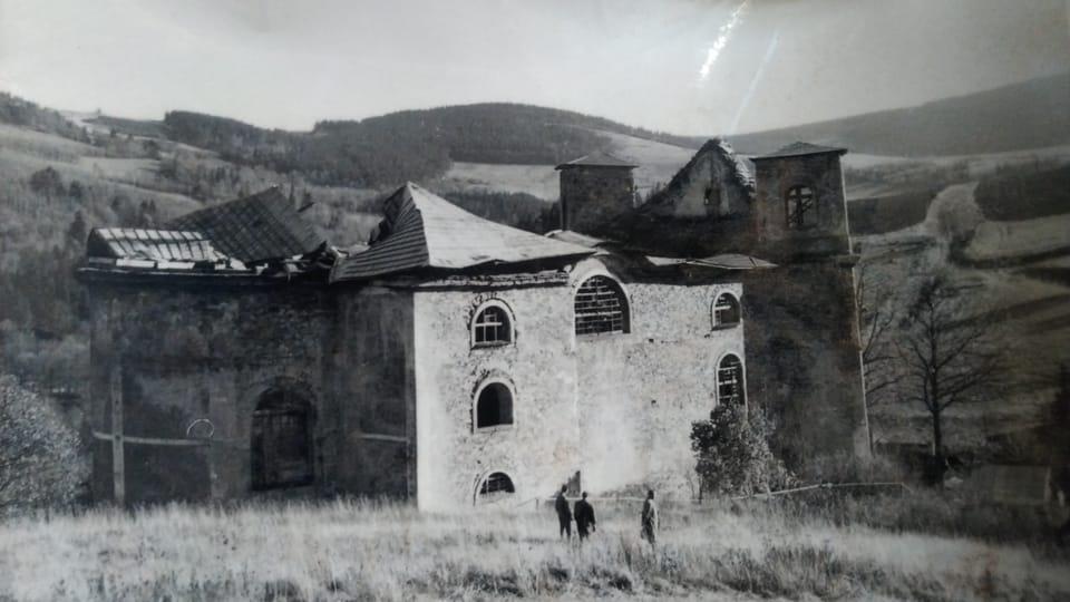 La iglesia deteriorada,  foto: Dominika Bernáthová