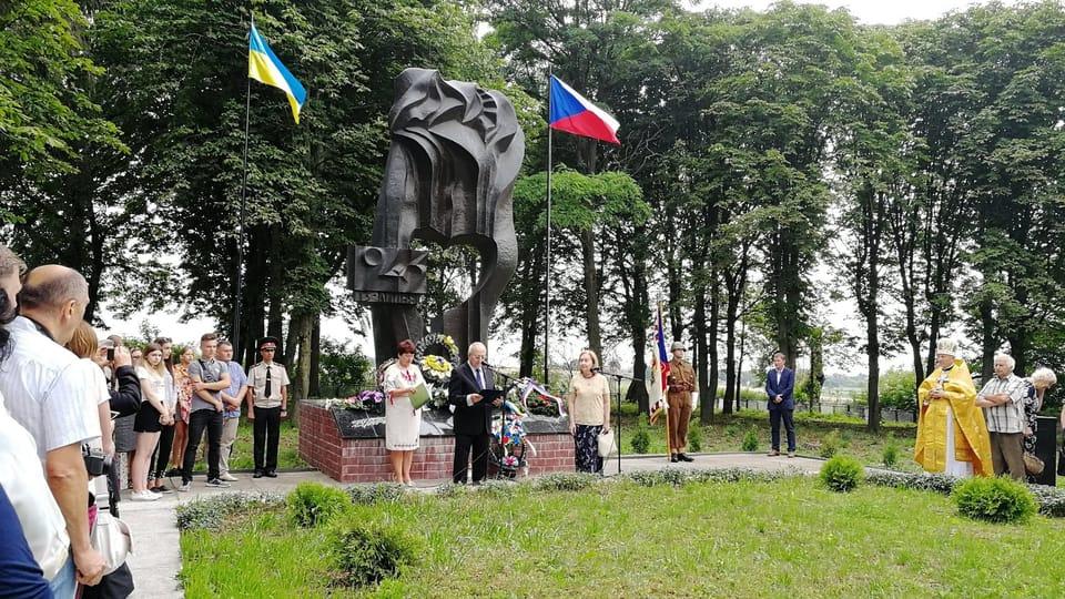 Aldea checa en Ucrania recuerda a las víctimas del nazismo,  foto: Štěpánka Budková