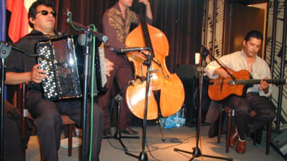 Khamoro 2003