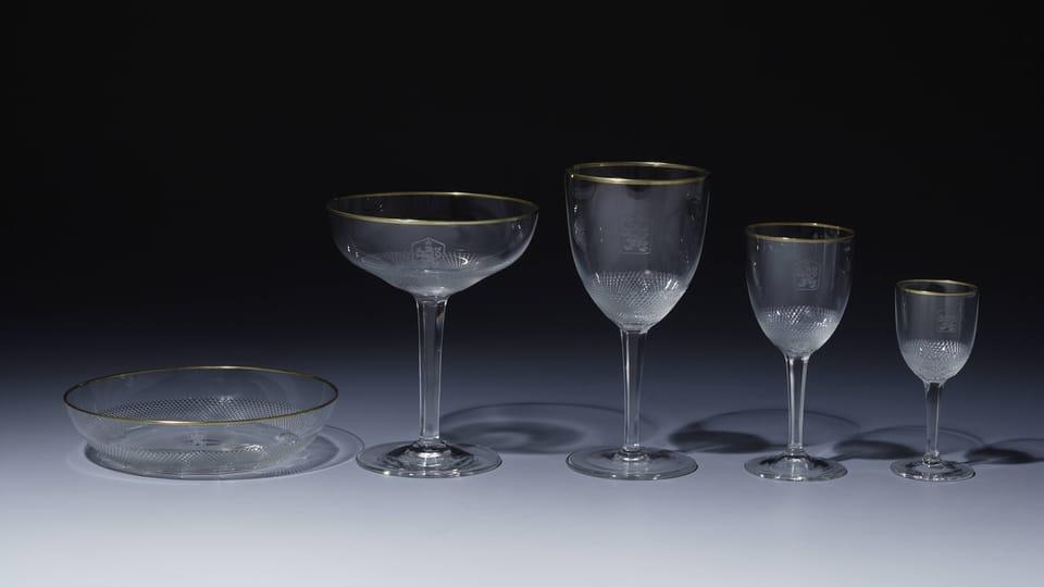 Piezas de cristalería de la marca Moser de la época del socialismo,  foto: © Colección del Castillo de Praga,  Jan Gloc