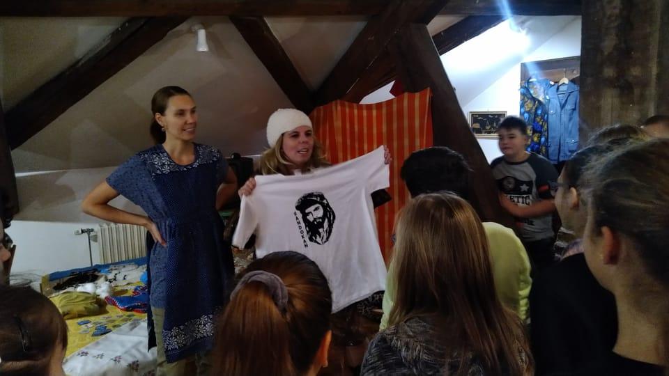 Camiseta con Sandokan,  un regalo popular de la época,  foto: Dominika Bernáthová