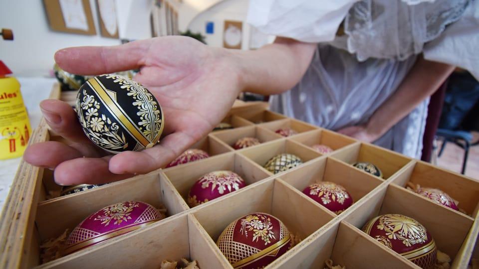 Una tradición de la Pascua checa son los huevos bellamente decorados  (kraslice),  foto: Ondřej Tomšů