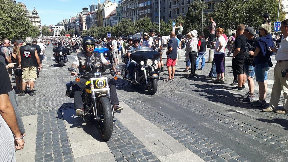 Praga asediada por las motocicletas Harley-Davidson,  foto: Klára Stejskalová