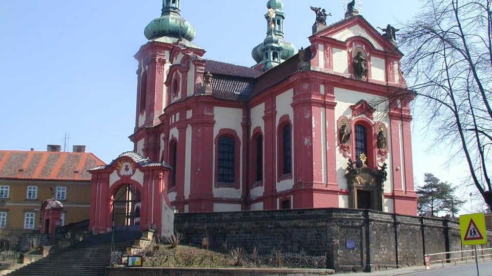 Iglesia de la Asunción de la Virgen,  Zlonice   Foto:  Martina Schneibergová,  Radio Prague International