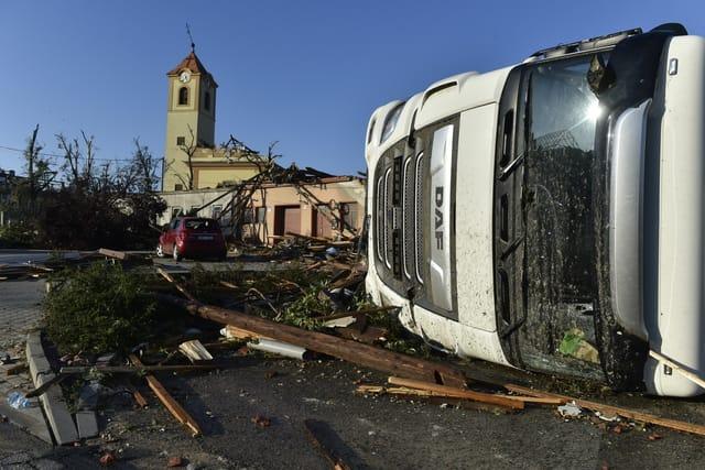 /ctk2106/tornado_moravska_nova_ves.jpg