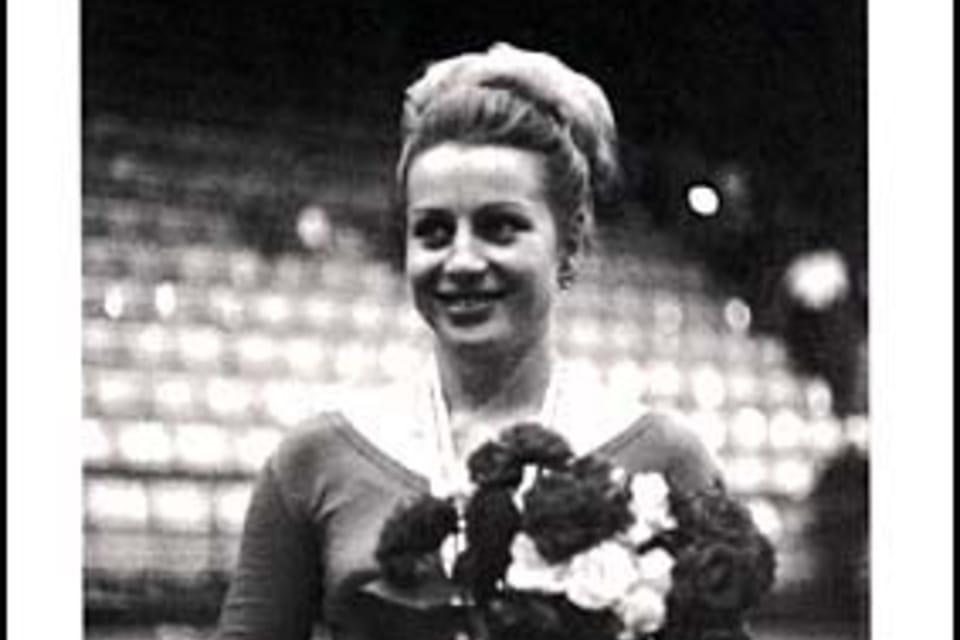 Věra Čáslavská  (1942) Gimnasta. Su primera medalla de oro la obtuvo en el campeonato mundial celebrado en Praga en 1962. Siete medallas olímpicas. Foto: ČTK