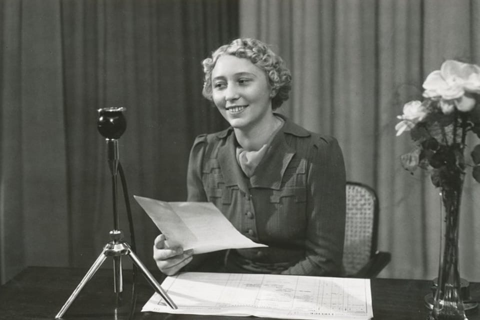 La Radiodifusión Checa celebra el 95 aniversario del comienzo de sus emisiones regulares.  (La presentadora Helena Krouská) | Foto: APF Český rozhlas