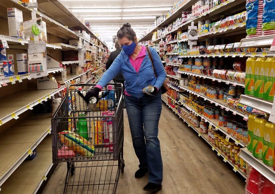 Los checos visitan menos el supermercado pero compran más | Radio Prague International